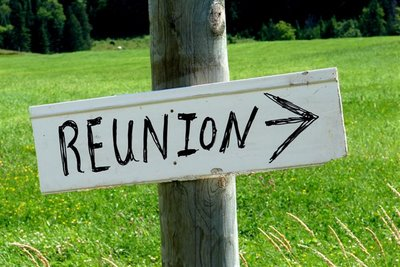 family-reunion-sign1